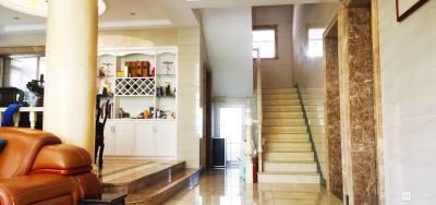 出售艇湖花园独立别墅,308平米,花园150平方,全新精装修150 万,398 万!