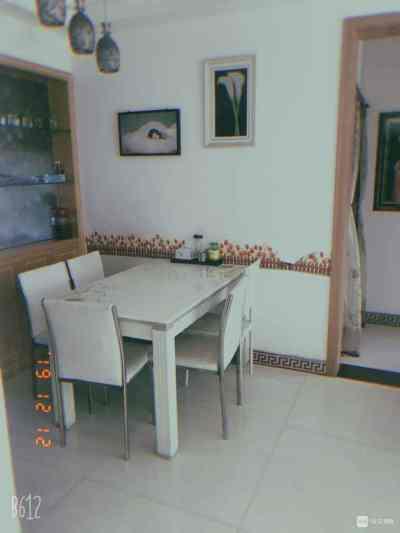 出售金湾国际2楼,三室两厅,90方,精装修,南北通透,户型方