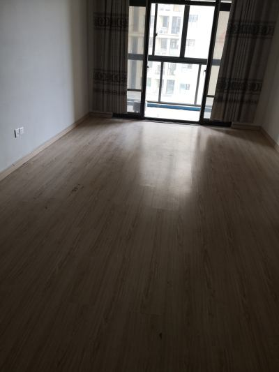 城东新小区赞成6楼89平方普通装修73.8万